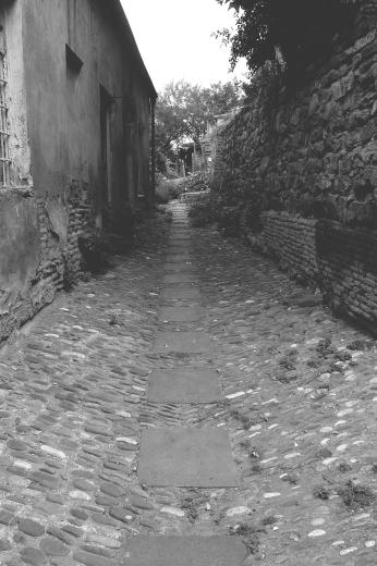 Sololaki hill alley