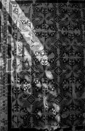 Sevilla - Alcazar Garden Alcove Tiles 286